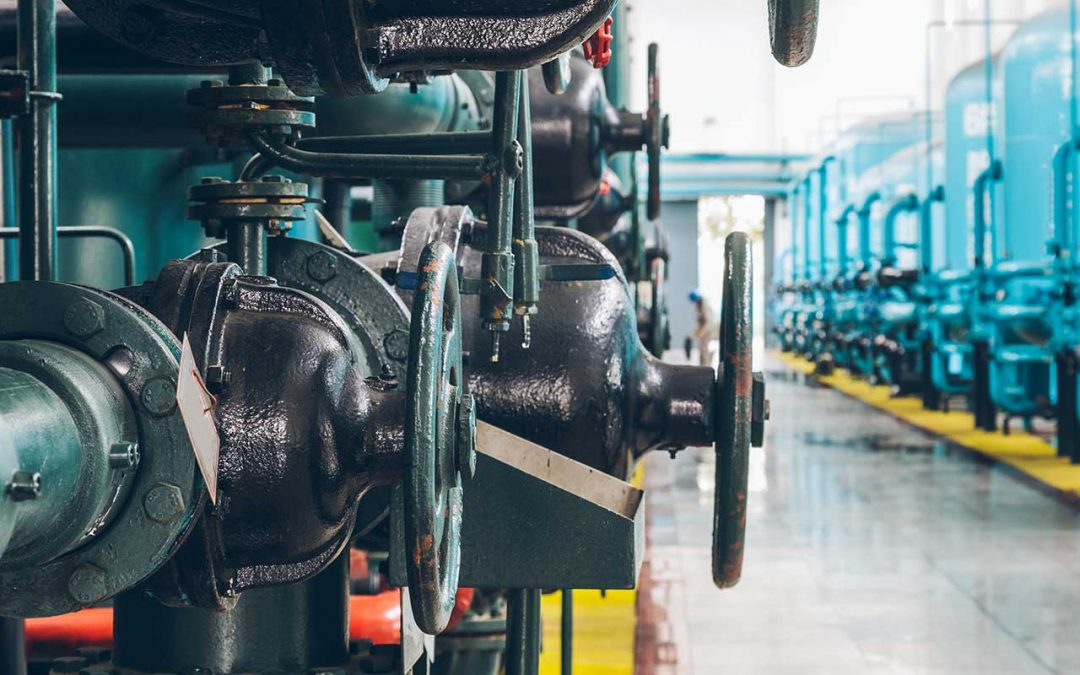 6 Things That Cause Grease, Dirt & Debris Build-up in Manufacturing Facilities